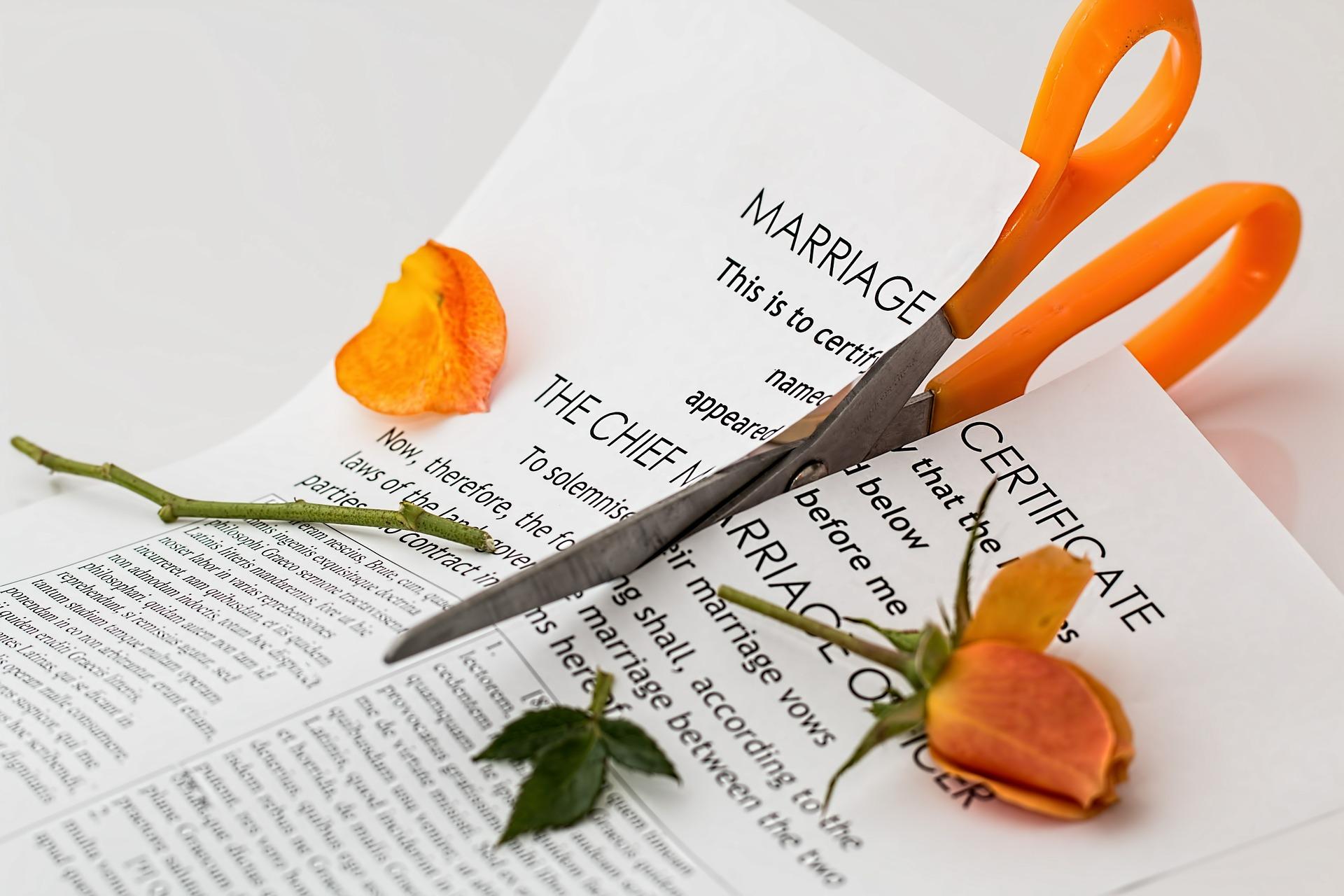 ¿CUÁNTO CUESTA DIVORCIARSE EN COLOMBIA?