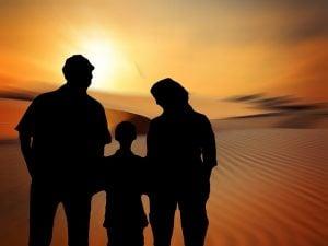 ¿Puede acordar la custodia y regulación de visitas del menor sin que se formalice el divorcio de los padres?