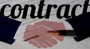 ¿Cuáles son las cláusulas más importantes en un contrato de trabajo?