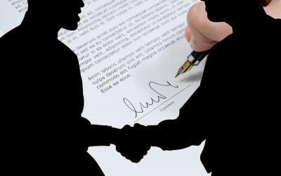 ¿Dentro de la promesa de compraventa es mejor colocar cláusula de arras o penal?