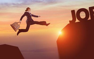 ¿Cómo se maneja el período de prueba dentro del contrato de trabajo?